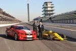 GM-Vize-Chairman Tom Stevens und Roger Penske