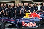 Sebastian Vettel (Red Bull)  und seine Crew