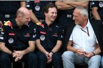 Adrian Newey (Technischer Direktor), Christian Horner (Teamchef) und Dietrich Mateschitz (Red Bull-Boss)