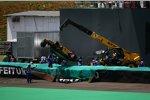 Auch in Brasilien machte Vitaly Petrov (Renault) unliebsame Bekanntschaft mit der Streckenbegrenzung