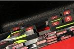 Die Boxentafeln von Ferrari