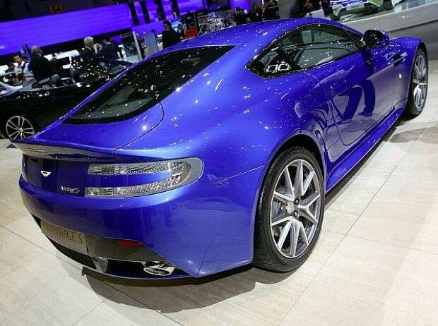 Genf 2011 Aston Martin Präsentiert Den V8 Vantage S