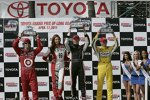 Dario Franchitti (Ganassi), Mike Conway (Andretti) und Ryan Briscoe (Penske) auf dem Podium