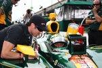 Tomas Scheckter im Gespräch mit Teamkollege Tony Kanaan