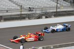 Helio Castroneves (Penske) und Mike Conway (Andretti)