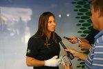 Simona de Silvestro stellt sich nach ihrem Crash den Fragen der Journalisten