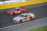 Brian Vickers (Red Bull) und J.J. Yeley (Whitney)