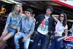 Jaime Alguersuari (Toro Rosso) Mark Webber (Red Bull)