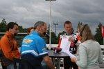 Norbert Michelisz (Zengö) und Alain Menu (Chevrolet) im tschechischen Fernsehen