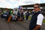 Mario Theissen (BMW Motorsport Direktor) in der Startaufstellung
