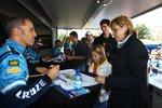 Alain Menu (Chevrolet) bei der Autogrammstunde