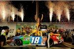 Kyle Busch (Gibbs) feiert seinen dritten Saisonsieg