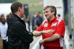 Alan Permaine (Renault-Ingenieur) und Pat Fry (Ferrari-Technikchef)