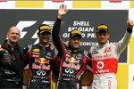 Adrian Newey (Technischer Direktor), Mark Webber (Red Bull), Sebastian Vettel (Red Bull) und Jenson Button (McLaren)