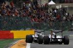 Rubens Barrichello vor Pastor Maldonado (Williams)