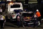 Der Red-Bull-Toyota von Kasey Kahne war nach dem Abschuss durch Marcos Ambrose nur noch Schrott wert