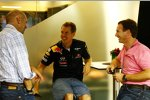 Adrian Newey (Technischer Direktor), Sebastian Vettel (Red Bull) und Christian Horner (Teamchef)