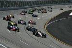 Start zum Kentucky Indy 300 mit Will Power (Penske) an der Spitze