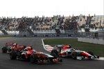 Timo Glock (Marussia-Virgin) und Daniel Ricciardo (HRT)