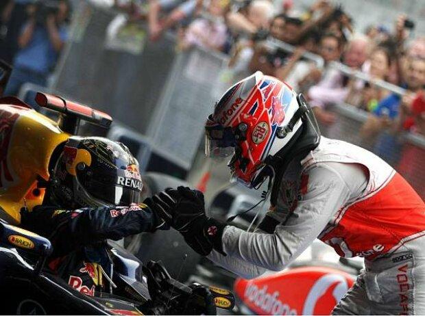 Jenson Button gratuliert Sebastian Vettel