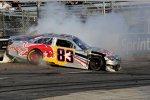 Brian Vickers (Red Bull) crasht