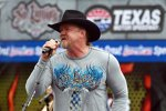 Country-Star Trace Adkins während der Pre-Race Show