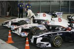 Kamui Kobayashi, Sergio Perez (Sauber) und Rubens Barrichello (Williams)
