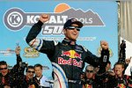 Kasey Kahne (Red Bull) in der Victory Lane