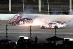 Crash mit Cole Whitt und Landon Cassill