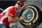 Felipe Massa (Ferrari) mit einem Pirelli-Reifen