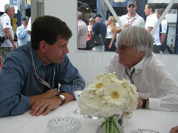 Tavo Hellmund und Bernie Ecclestone