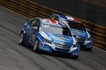 Robert Huff (Chevrolet) und Yvan Muller (Chevrolet) duellierten sich in Macao