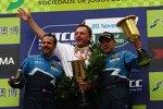 Yvan Muller (Chevrolet), Ray Mallock und Robert Huff (Chevrolet) beim Saisonfinale in Macao