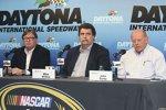 NASCAR-Vize-Renndirektor Robin Pemberton, Präsident Mike Helton und Renndirektor John Darby