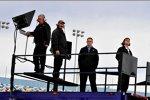 Jimmy Fennig, Chip Bolin, Dave Simon und Andy Slankard beobachten den Testbetrieb
