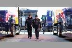 Guillaume Rocquelin und Sebastian Vettel (Red Bull)