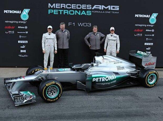 Nico Rosberg, Ross Brawn (Teamchef), Norbert Haug (Mercedes-Motorsportchef), Michael Schumacher