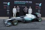 Nico Rosberg, Ross Brawn (Teamchef) Norbert Haug (Mercedes-Motorsportchef) und Michael Schumacher (Mercedes)
