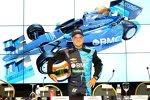 Rubens Barrichello vor einem Bild seines neuen Autos