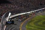 Start zum Daytona 500 mit Carl Edwards und Greg Biffle (beide Roush) an der Spitze