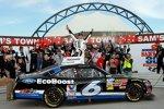 Ricky Stenhouse (Roush) feierte den dritten Nationwide-Sieg seiner Karriere