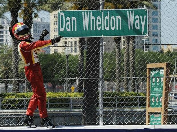 Helio Castroneves Dan Wheldon