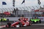 Scott Dixon (Ganassi) vor James Hinchcliffe (Andretti)