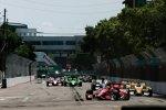 Die IndyCars in den Straßen von St. Petersburg