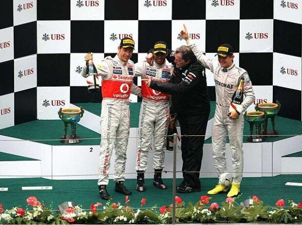 Jenson Button, Lewis Hamilton, Norbert Haug und Nico Rosberg