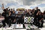 Kasey Kahne und Team feiern
