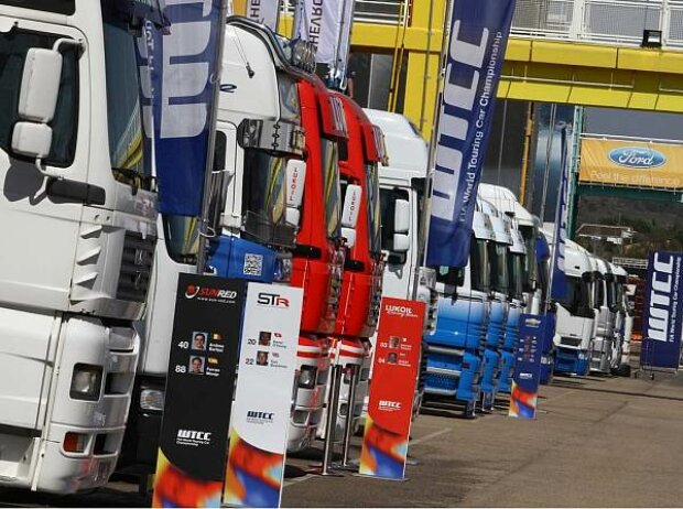 Trucks im WTCC-Fahrerlager