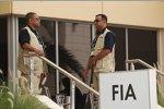 Security-Mitarbeiter vor dem FIA-Motorhome