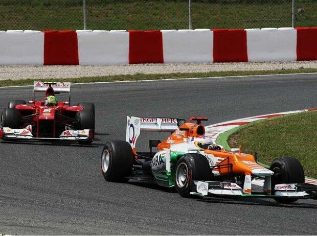 Paul di Resta vor Felipe Massa