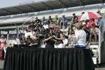 Ryan Briscoe erhält seinen Indy-500-Ring